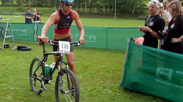 Lukáš Purkar v depu triatlonového závodu.