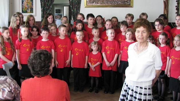 Na vernisáži vystoupil Dětský pěvecký sbor Cantabile.