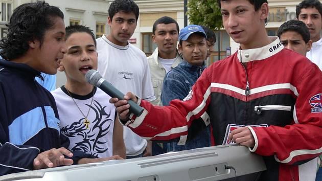 Romská  hudební skupina Street Boys.