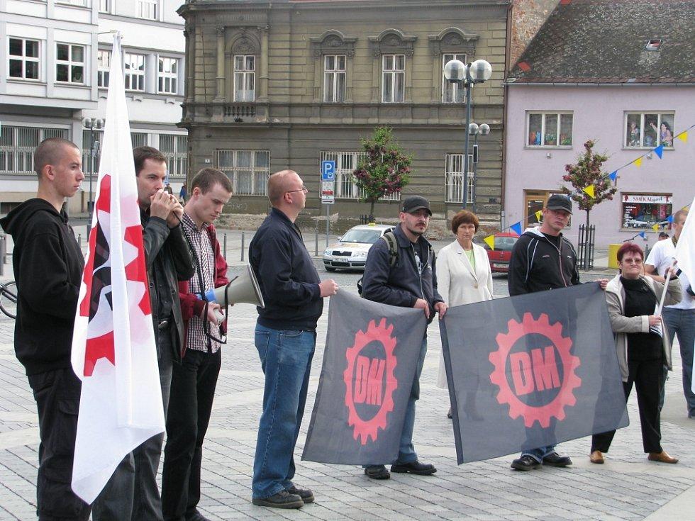 Na náměstí do Přerova dorazila jen hrstka členů Dělnické strany.