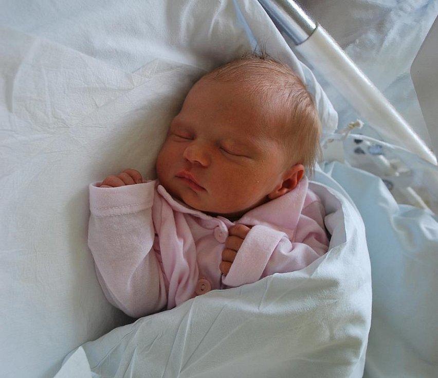 Nella Drešlová, Velká Bystřice, narozena 24. srpna 2010 v Přerově, míra 47 cm, váha 3 250 g