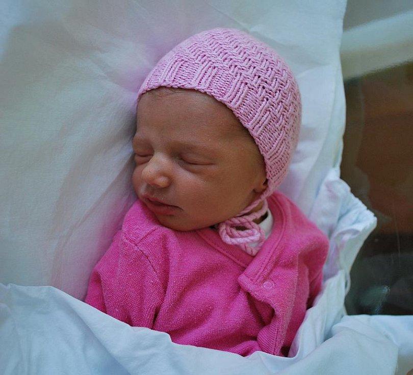 Elen Šimečková, Jezernice, narozena 25. srpna 2010 v Přerově, míra 44 cm, váha 2 610 g