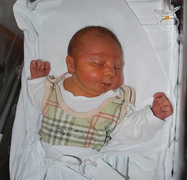 Tomáš Zapletal, Brodek u Přerova, narozen 24. srpna 2010 v Přerově, míra 49 cm, váha 4 160 g