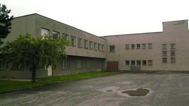 Bývalá administrativní budova a vývařovna zemědělského družstva v Paršovicích