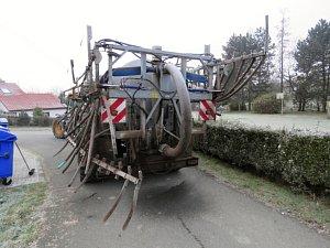 Dopravní nehoda autobusu a traktoru