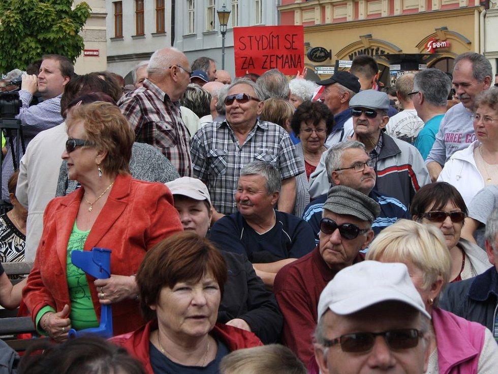 Setkání prezidenta Zemana s veřejností na hranickém náměstí
