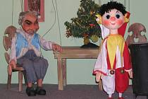 Dřevěné herce nejvíce ocení dětští diváci.