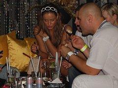 Do přerovského klubu přijela na White party i česká Miss Zuzana Jandová.