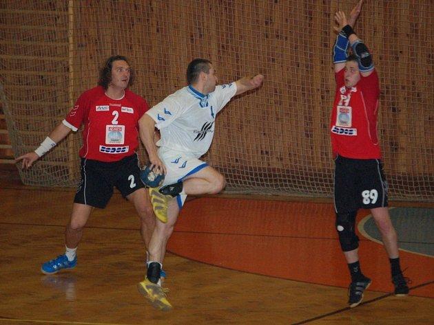 Přerovští házenkáři doma porazili Plzeň a vévodí prvoligové tabulce o dva body.