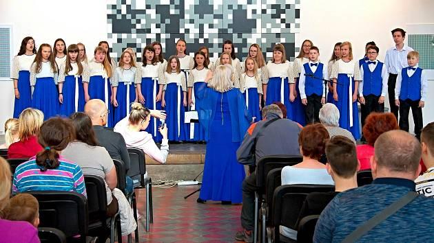 Komorní sbor pěveckého sboru Cantabile.