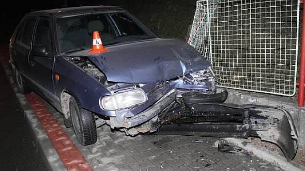 Sedmdesátiletá řidička bourala v Milenově