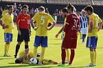 Šumperk (ve žluté) proti Hranicím