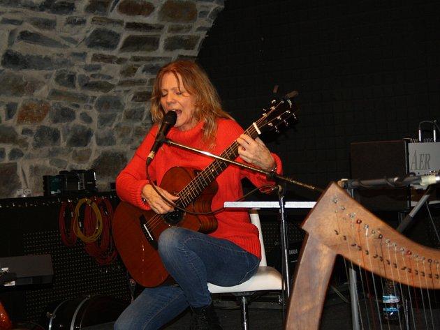 Lenka Filipová zazářila v Zámeckém klubu.