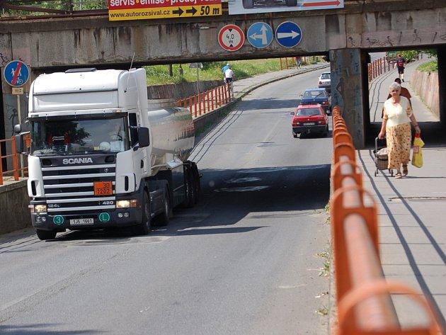 Podjezd v Předmostí u Přerova na příjezdu od Olomouce.