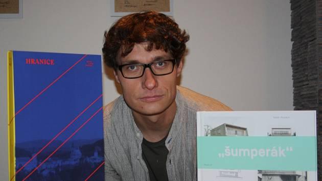 Tomáš Pospěch vytvořil novou reprezentativní publikaci o Hranicích.