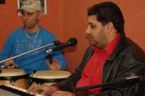 Díky romskému poradci se podařilo získat Romy pro aktivity přerovské organizace Kappa help.  Spolupráce s Romy se ještě více prohloubí poté, co romská kapela Imperio získala novou zkušebnu, a to v podchodu na třídě 17. listopadu.