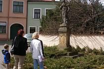 Umělecké dílo z 18. století u zídky přerovského zámku hodlá nyní opravit město.