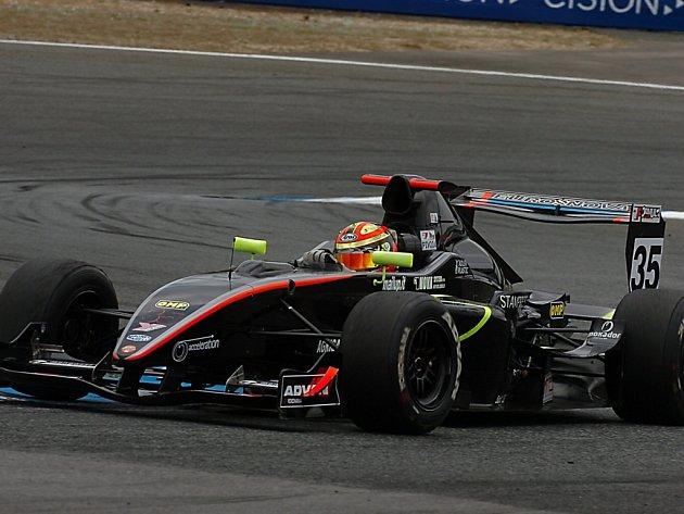 Tomáš Pivoda startoval v Portugalsku s netradiční černou formulí.