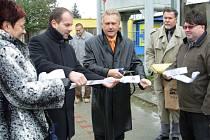 Novou cyklostezku do Henčlova včera slavnostně uvedl do provozu primátor Přerova Jiří Lajtoch.