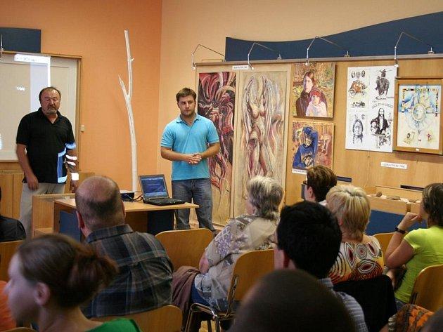 Ve čtvrtek 10. září byla v Městské knihovně v Lipníku nad Bečvou přednáška s archeologem o archeologickém výzkumu ve městě.