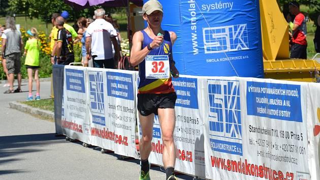 Rostislav Kolář dochází do cíle závodu