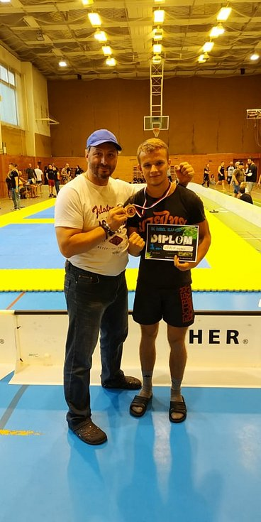 Úspěšní zápasníci Boomers Gym Kickboxing - KB Tigers Hranice ve Frenštátě pod Radhoštěm.