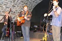 Čtyřčlenná formace P.R.S.T. zahrála v Zámeckém klubu.
