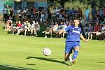 Fotbalisté Všechovic (v modrém) proti Brumovu (3:1).