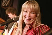 Chantal Poulain jako zpěvačka šansonů