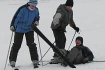 Na kladecké sjezdovce je teď asi 20 centimetrů sněhu.