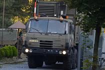 Odjezd hranických vojáků na mezinárodní cvičení pod záštitou NATO a velením českého plukovníka Josefa Kopeckého do německého Hohenfelsu.