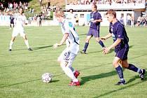 Před necelým měsícem koničtí fotbalisté vyřadili v Poháru ČMFS Sigmu Olomouc – a právě z tohoto duelu je náš snímek.