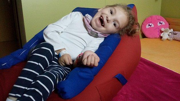 Na pomoc zdravotně handicapované Julinky Orságové se podařilo vybrat více než sto tisíc korun.