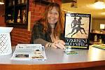 Hana Vitíková nabízí v Klubu Olympia v Hranicích hernu pro děti, ping-pong, tvoření mandal z písku, stolní hry, dětské diskotéky, ale také kurzy vaření, břišní tance, přednášky nebo promítání filmů.