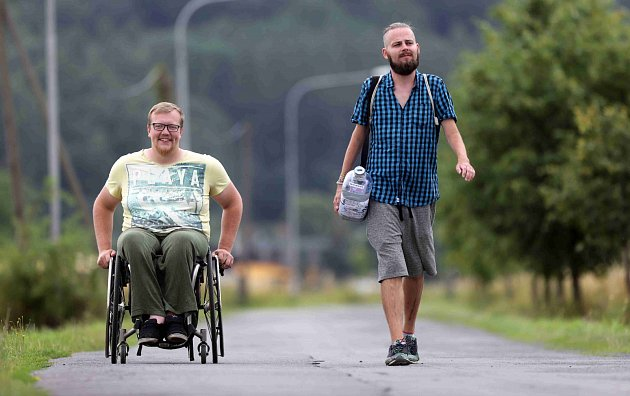 Ztepilí muži na cestách