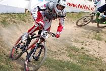Martin Trnkal se vrátil z mistrovství světa v bikrosu, přesedlal na fourcrossový speciál a dojel si pro druhé místo na mistrovství republiky v kategorii juniorů.
