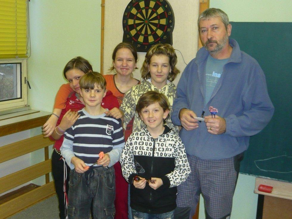 Obliba šipkového turnaje mezi dětmi stále stále roste.