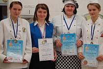 Dva stříbrné a dvě bronzové medaile si přivezly z mezinárodního mistrovství Gastro junior Brno čtyři studentky přerovské Střední školy gastronomie a služeb.