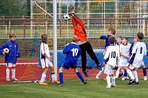 Ligoví mladší žáci 1. FC Přerov (v bílém) zaznamenali proti Frýdku–Místku druhé vítězství v sezoně a premiérové v jarní části soutěže.