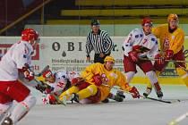 Na prostějovském ledě se během přípravného utkání Jestřábů s Trenčínem chvílemi dost jiskřilo.