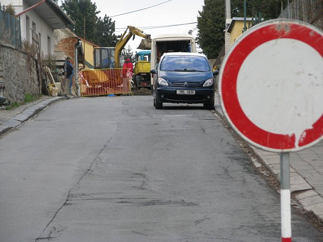 Ulice Jurikova je už od čtvrtku 19. března  také neprůjezdná.