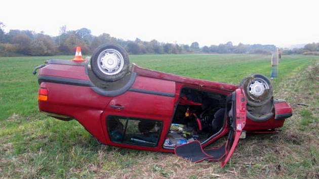 Řidička utrpěla zranění s předpokládanou dobou léčení na 10 až 14 dní.