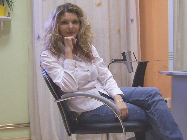 Kamila Koutná ve své pracovně.