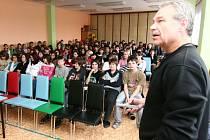 Český dobrodruh a spisovatel Oldřich Bubák cestoval s žáky z pólu na pól.