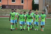 Fotbalisté Hranic (v zeleném) deklasovali v poháru Všechovice 6:1.
