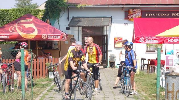 Hospůdka pod lípou je příjemným místem i pro cyklisty.