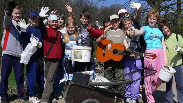 Šesťáci z hustopečské školy umí pomáhat ostatním.