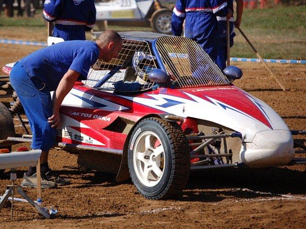 Ladislav Hanák si v předposledním závodě zajistil titul mistra Evropy v Divizi 3A do 1600 ccm.