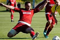 Fotbalisté TJ Sokol Ústí (v červeném). Ilustrační foto