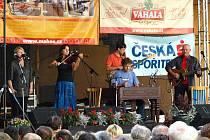 Na Hustopečských dnech rovněž vystoupili sourozenci Hana a Petr Ulrychovi se skupinou Javory.
